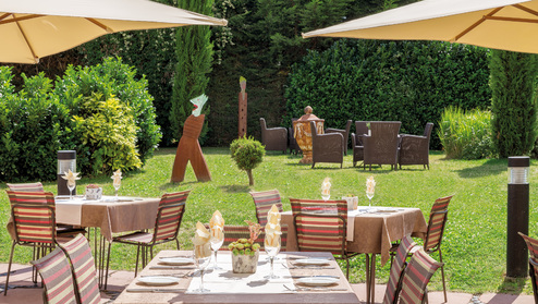 Hotel villa medici dining for Casa classica villa medici