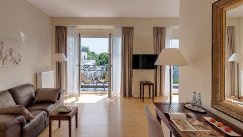 Hotel villa medici rooms for Casa classica villa medici